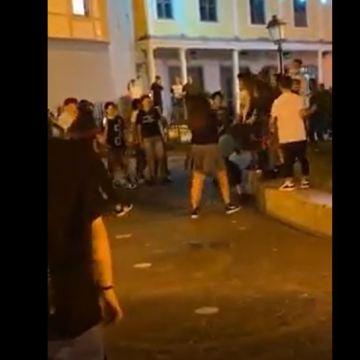 """Frattamaggiore, rissa in piazza tra due ragazzine. Il sindaco Marco Antonio Del Prete: """"Manca senso civico""""(video)"""