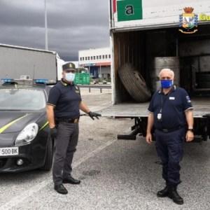 Nola, intercettato e sequestrato camion con 3 tonnellate di rifiuti diretto in Libia