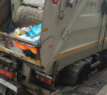Grumo Nevano, atto intimidatorio per bloccare la raccolta dei rifiuti. Indagano i carabinieri