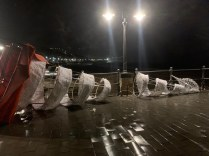 maiori-danni-al-porto-vento-forte-abbatte-lampio-253331