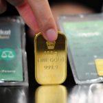 Pilih Mana, Investasi Emas atau Buka Tabungan di Bank?
