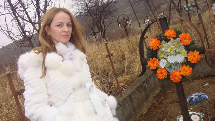 Delia Antal a impartit cadouri batranilor de la caminul din Ciutelec