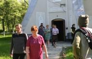 Dupa trecerea in nefiinta a tatalui sau, Delia Antal se reculege pe la manastiri