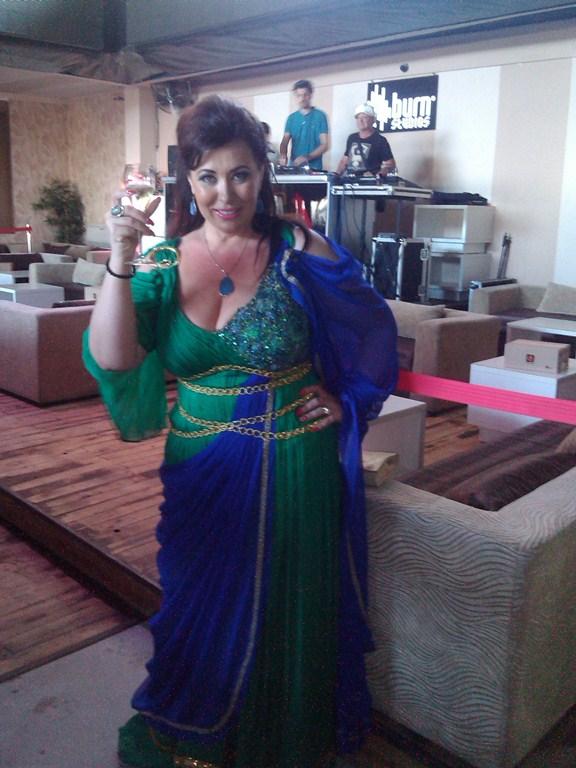 Corina Martin a dat startul distractiei in Cluburile de pe Litoral