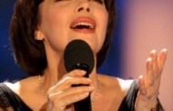 "Mireille Mathieu   ""La vie en rose"", succesul unei zane din povesti"