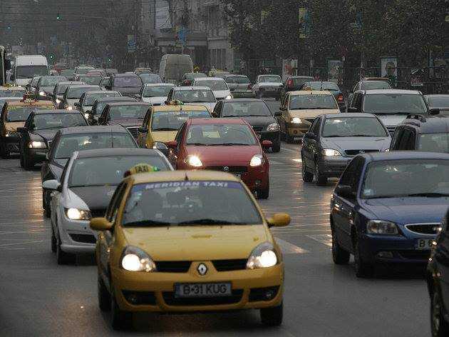 Trafic rutier în siguranţă, la întoarcerea din minivacanță