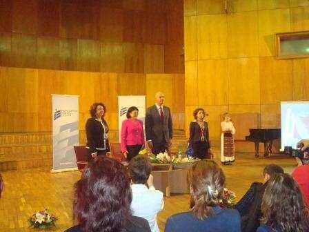 Ecaterina Andronescu prezenta la sedinta cu directorii de la Constanta
