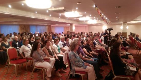 Peste 150 de specialişti din întreaga lume vorbesc despre IUBIRE!