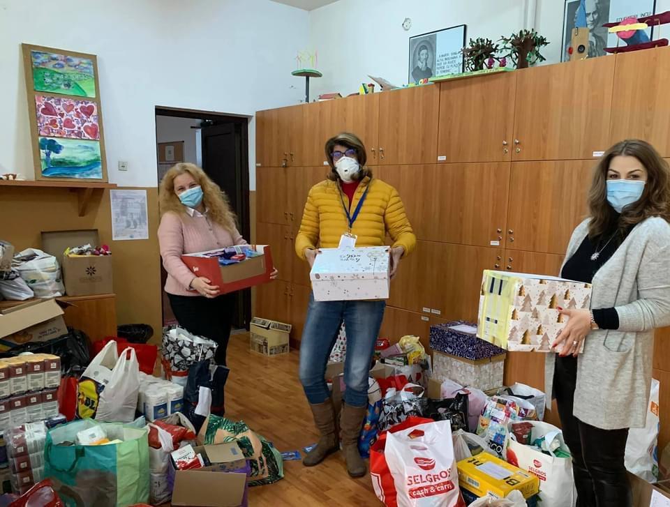 Elevii Colegiului Național Pedagogic Constantin Brătescu dăruiesc de Crăciun