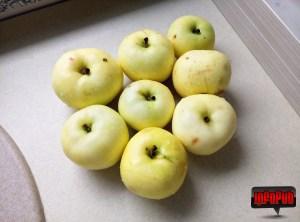 Pregatirea merelor - pregatire compozitie placinta cu mere