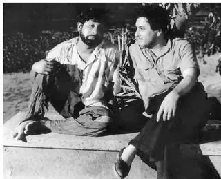 Sivaji Ganesan and MGR in Koondukili