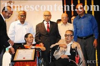 Pune Pandit Award to RK Laxman