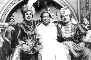 SSR with MGR and Kannadasan in Raja Desingu Sets