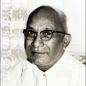 Mr. Marotrao S. Kannamwar- Former Chief Minister of Maharashtra from November 20, 1962 to November 24,1963. B. – January 10, 1900 – D. – November 24, 1963 started life as a newspaper agent courted arrest several times for taking part in freedom movement. He was president of Politicial congress committee. He edited Loksewak, Navasandesh and Marathi weeklies. 1957 – 1960 – He was Minister for Public Health in Bombay State. 1960 - 62 – Minister for Building and Communication. Family: - Wife Smt. Gopikabai and two sons and one daughter.