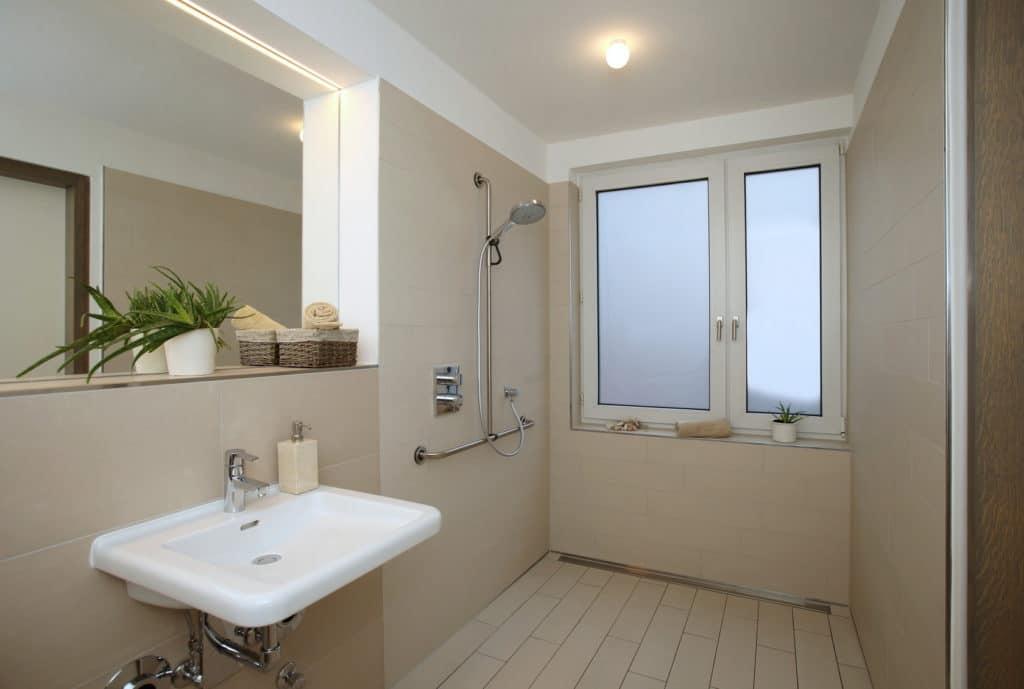Das barrierefreie Badezimmer  nicht nur fr Senioren mehr Komfort im Bad  Infoquelle