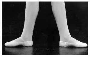 piedi in seconda posizione