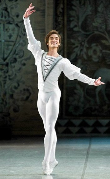 Friedemann Vogel ne Il lago dei cigni®Mikhailovsky Theatre St. Petersburg