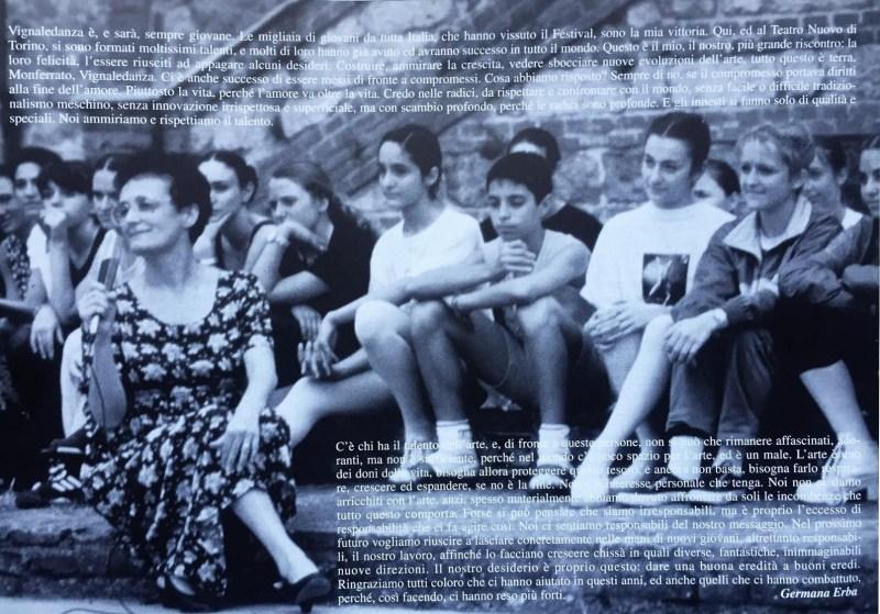 Germana a Vignale con gli stagisti e il testo che ha scritto per i 20 anni del Festival