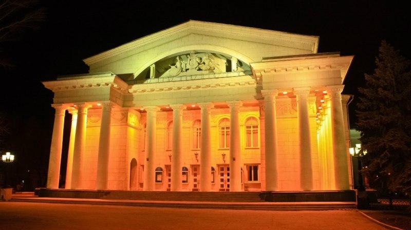 saratovskiy-teatr-operyi-i-baleta