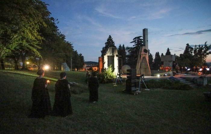 Atzewi Dance Company presenta <em>Cardini</em> al Festival dei Punti Cardinali