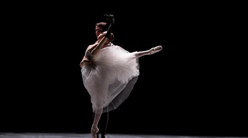 Tre allievi della Scuola di Ballo dell'Accademia Teatro alla Scala volano a Mosca per due grandi Gala