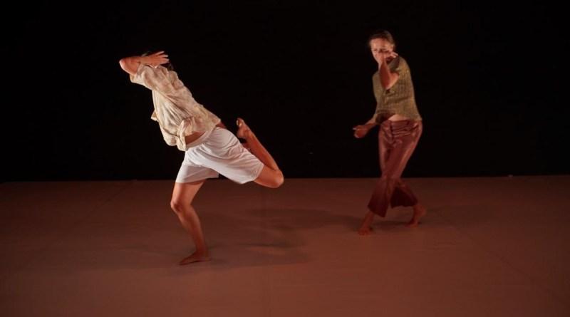 <em>Quel che resta</em>, di e con Simona Bertozzi debutta a RomaEuropa Festival