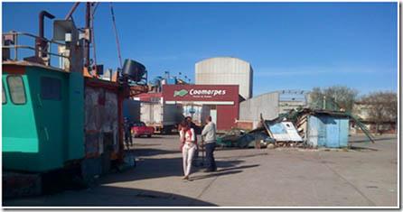 3-Iturralde justo al costado del buque de Barillari