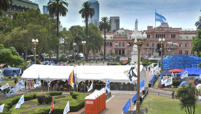 plaza de mayo acampe milagro sala