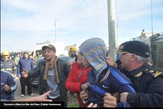escrache a Macri en Mar del Plata