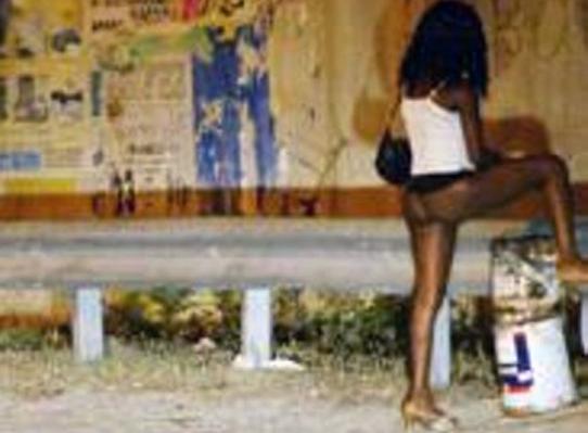 FERMATA TRATTA NIGERIANE PROSTITUZIONE E RITI ESOTERICI