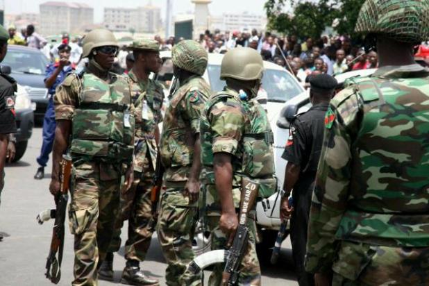 Nigerian soldiers on the street