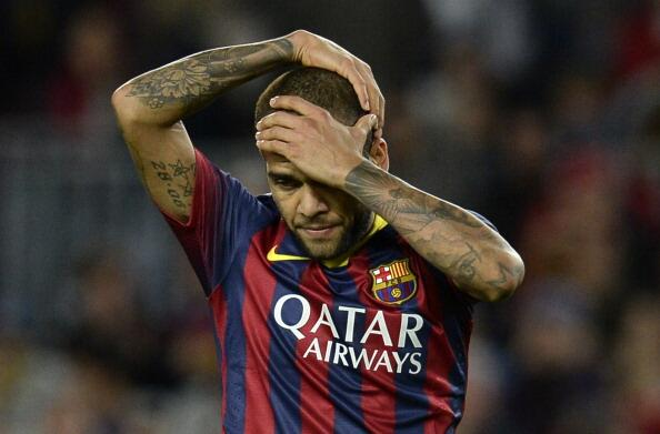 Dani Alves Received Tremendous Support for His Response to Banana-Throwing Racist in April 2014.