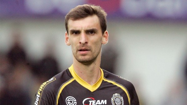 Belgian Defender Gregory Mertens Dies Three Days After Suffering Heart Attack on the Pitch. Image: Getty.