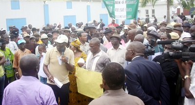 PIC.29. CHAIRMAN, RIVERS CHAPTER OF THE NIGERIAN UNION OF PENSIONERS, MR EDWARD-FESTUS ABIBO  (M), ADDRESSING FELLOW PENSIONERS AND GOVERNMENT OFFICIALS DURING A PEACEFUL PROTEST OVER NON  PAYMENT OF THEIR PENSION IN PORT HARCOURT ON WEDNESDAY (13/03/13)