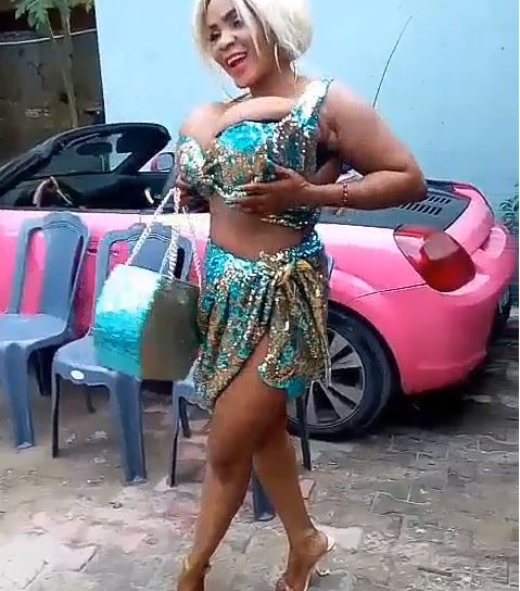 Cossy Orjiakor Shows Off Her B-obs As She Celebrates Her