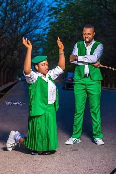 5c89d50e30be3 - What do you think is wrong with these pre-wedding photos?