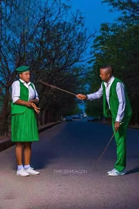5c89d5229ddee - What do you think is wrong with these pre-wedding photos?