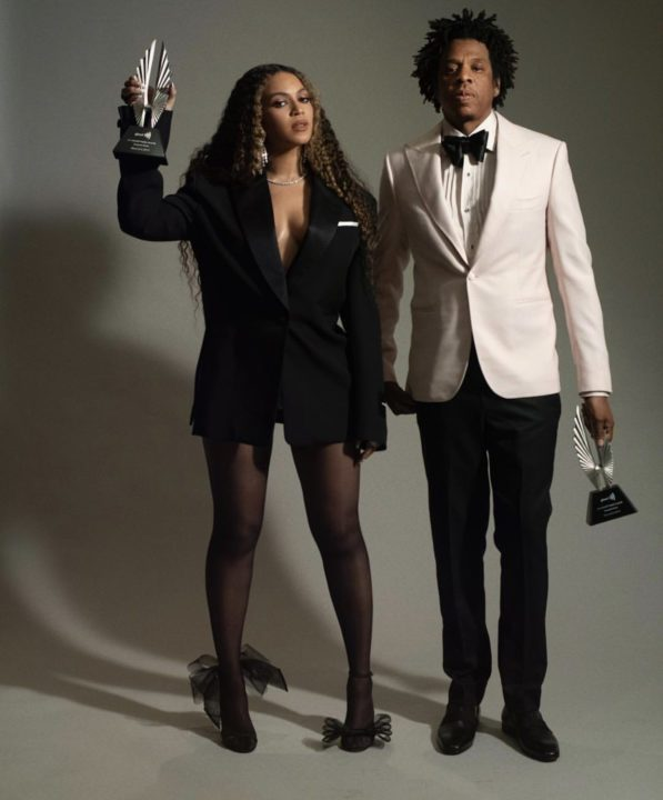 765B6058 E08E 4231 B91F 99BBD5CE9F54 - [Photos]: Jay Z and Beyonce pose with their GLAAD Award plaques