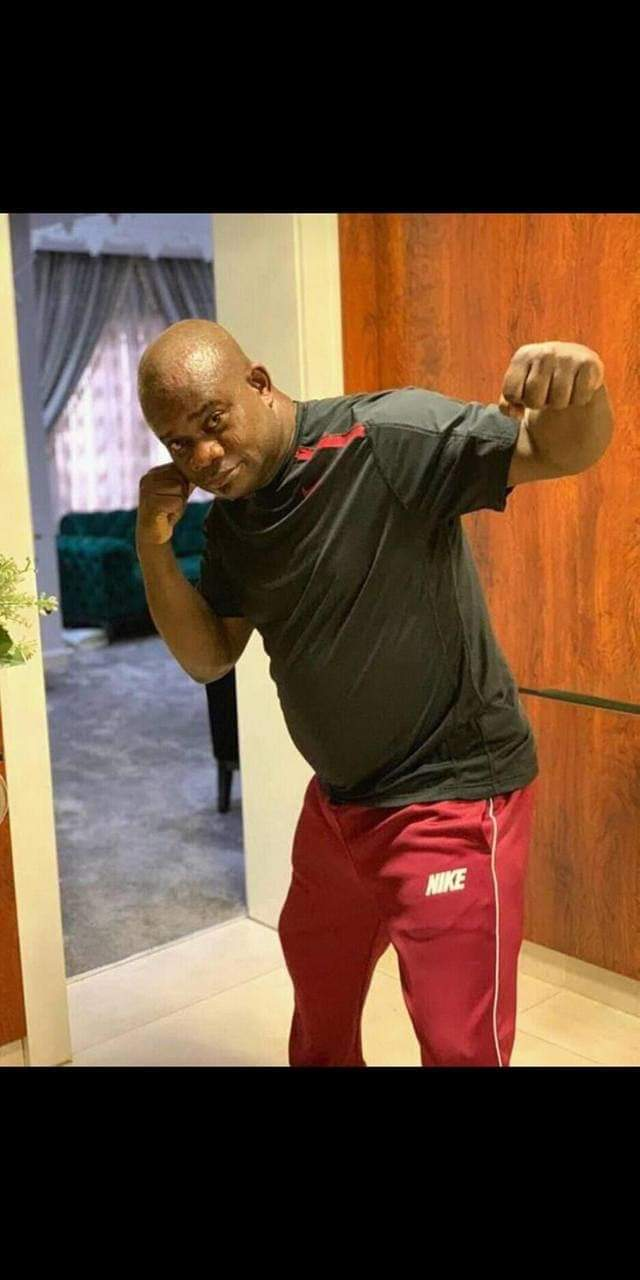 D13DkvnX0AAxxvA - Yahaya Bello prepares for 'boxing' match [See pictures]