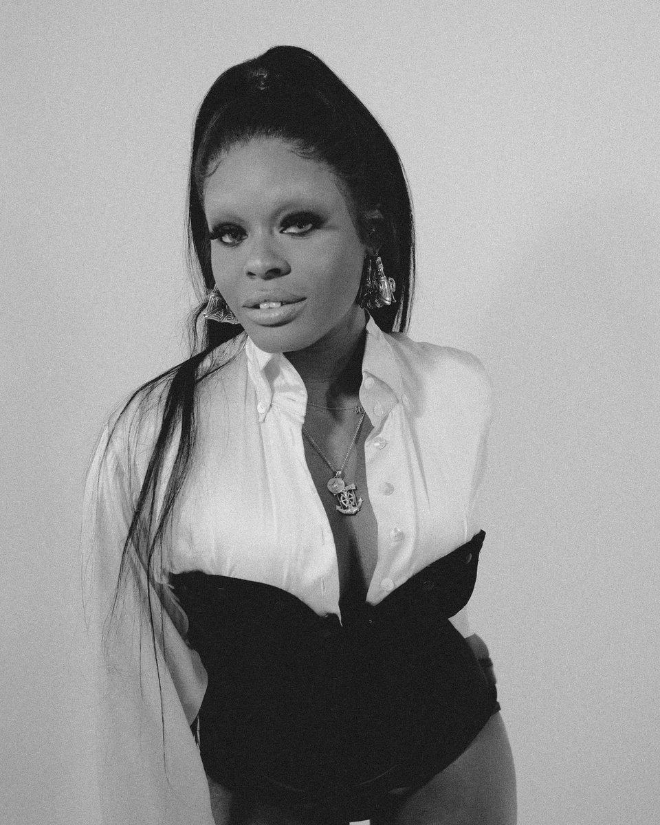 D3GivFMW4AAaIhJ - You won't believe what Azealia Banks looks like now