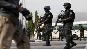 Nigeria Police - Sad: One Killed And Scores Injured As Police Open Fire At A Bus-stop