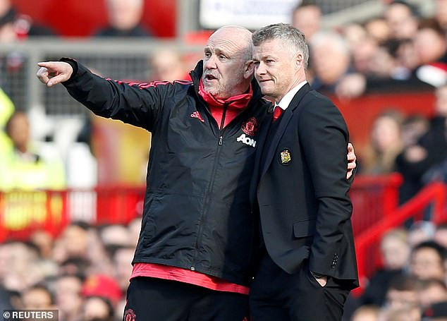 5cd54dac8a7b0 - #MUFC: Mike Phelan appointed as full-time assistant manager to Ole Gunnar Solskjaer