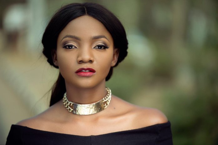 The more desperate Nigerians are to leave the country, the less likely they want us - Simi