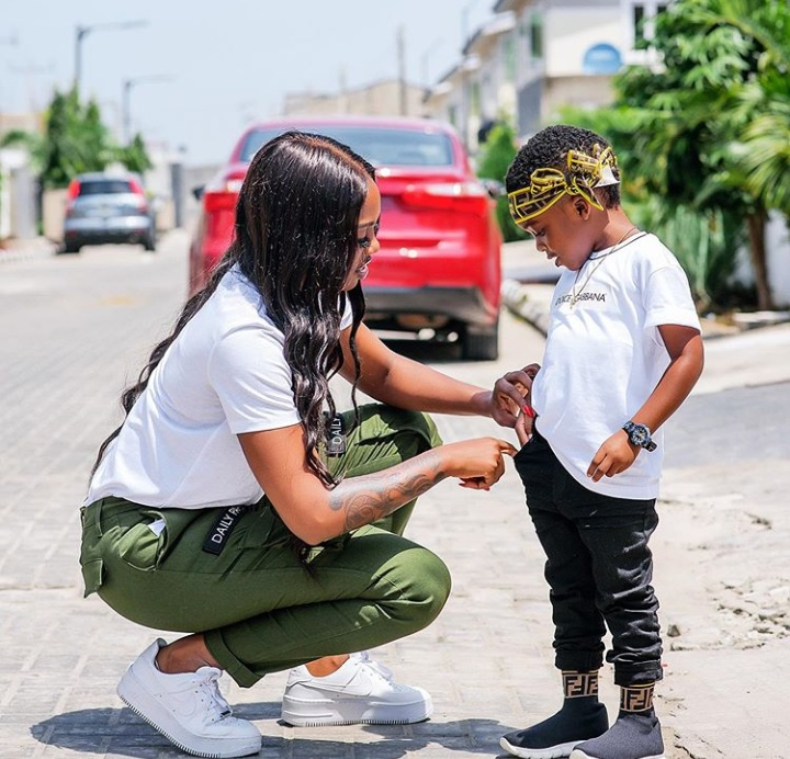 Tiwa Savage, Son Sing Davidos 1 Milli Song