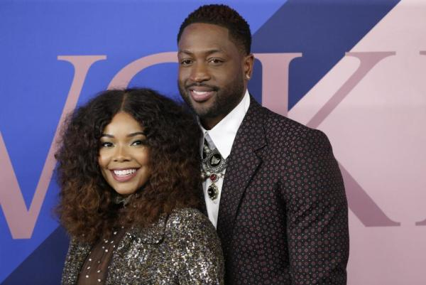 Gabrielle Union and Dwayne Wade goes unclad in new beach picture