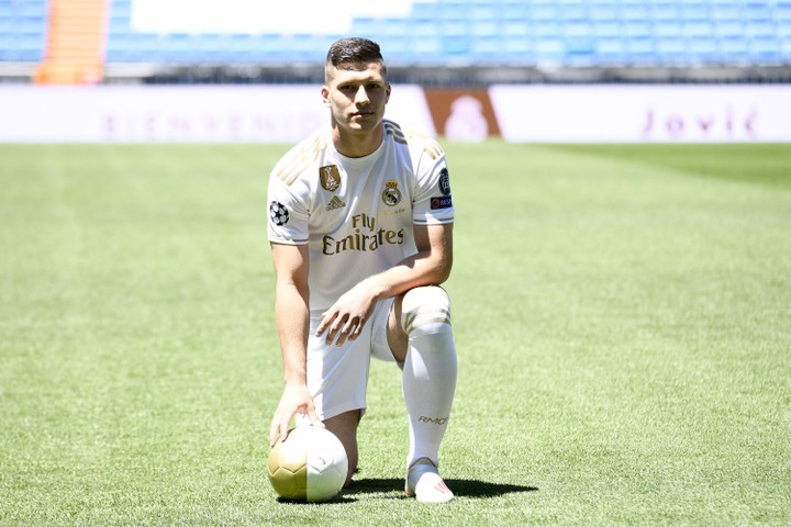 Real Madrid Set To Loan Summer Signing Jovic To AC Milan