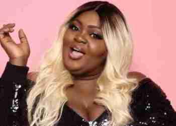 Eniola Badmus Falls While Taking Snapchat Photo (Video)