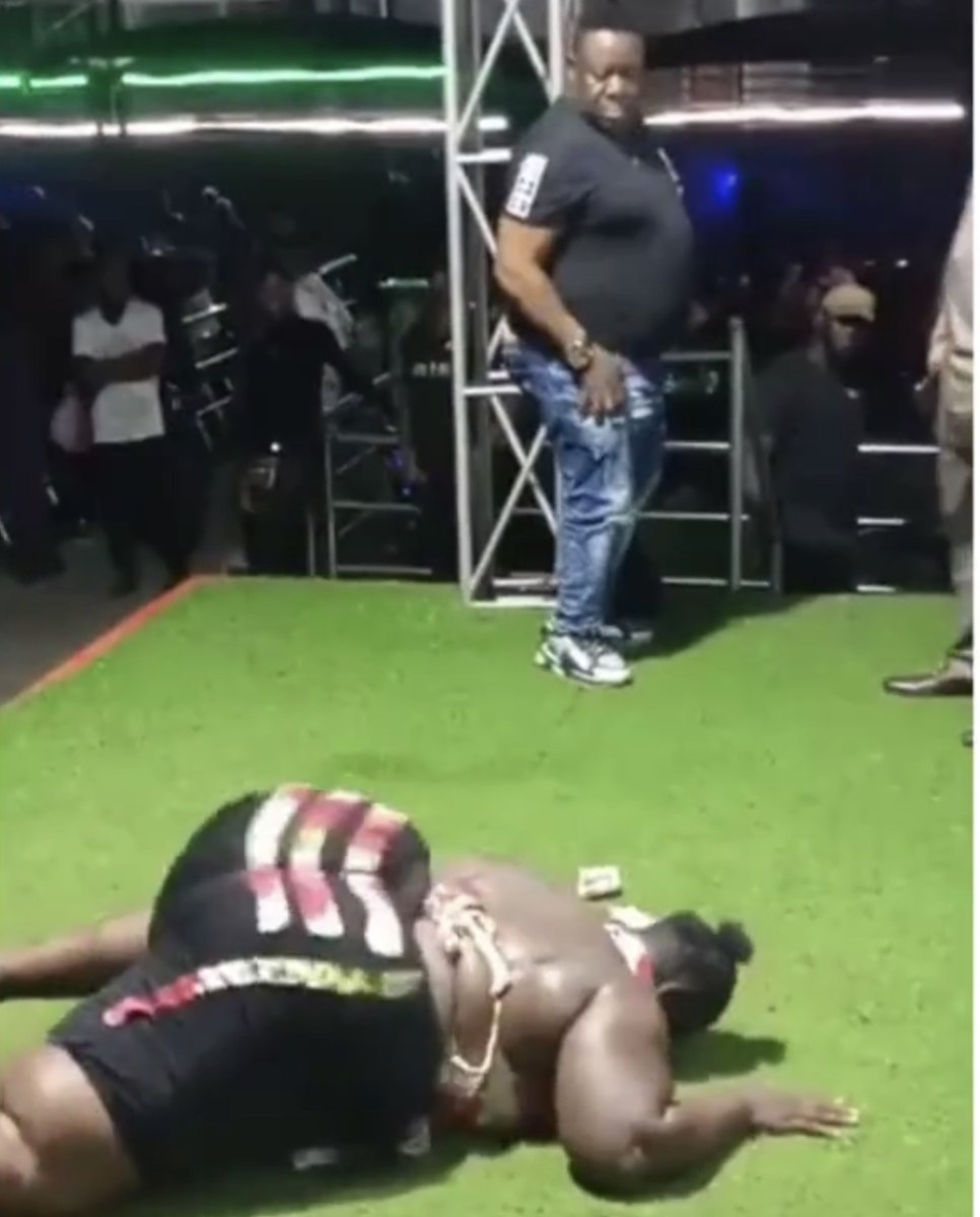 Mr Ibu Attempts To Drop His Phone For A Dancer After Exhausting All His Money (Video)