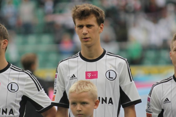 Krystian Bielik Will Be Arsenal's First Signing of the Winter as Arsene Wenger Confirms a Fee Has Been Agreed. Image: Legia.