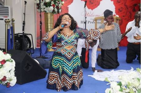 Nigerian Billionaire Folorunsho Alakija In The Mood Of Worship In Church Photo Information Nigeria